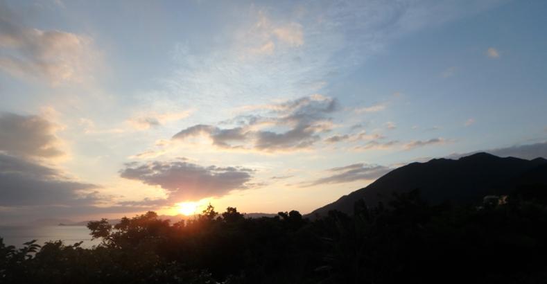 hillsyamabare ビューバス テラス 日の出 眺望 桴海 於茂登岳