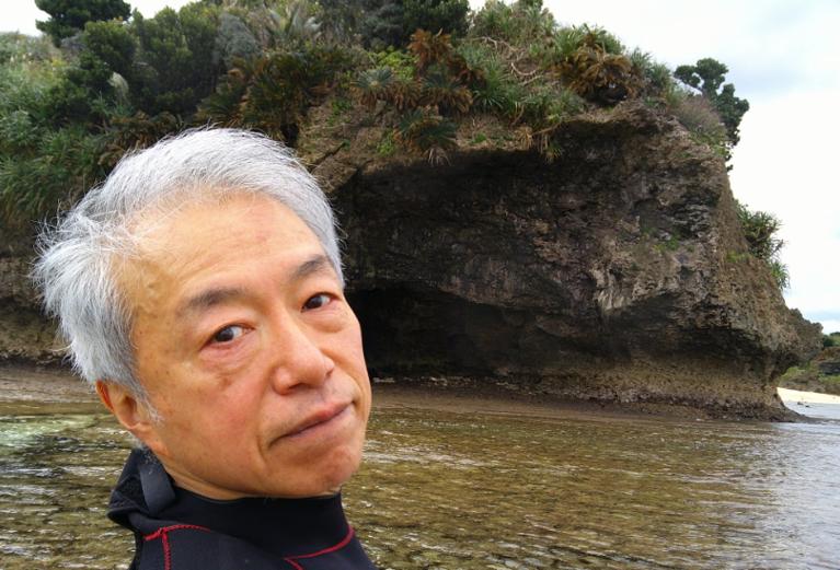 米原 ビーチ 内海 シュノーケル 青の洞窟